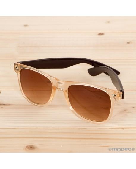 Gafas de sol semi-transparentes patillas marrones y lentes marrones