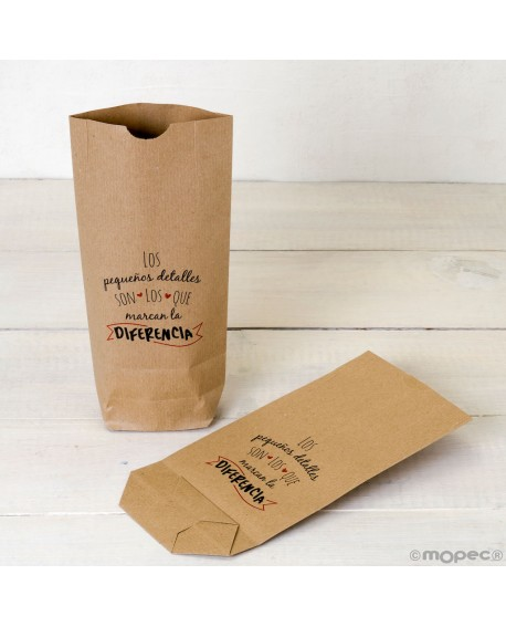 "Bolsa de papel kraft ""Pequeños detalles"" en rojo."