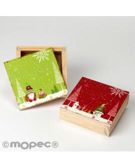 Cajitas de madera con decoración navideña.