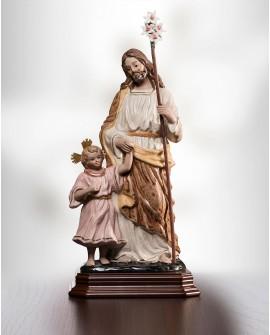 San José con el niño de la mano.