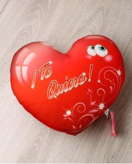 """Cojín de corazón rojo """"Te Quiero"""""""