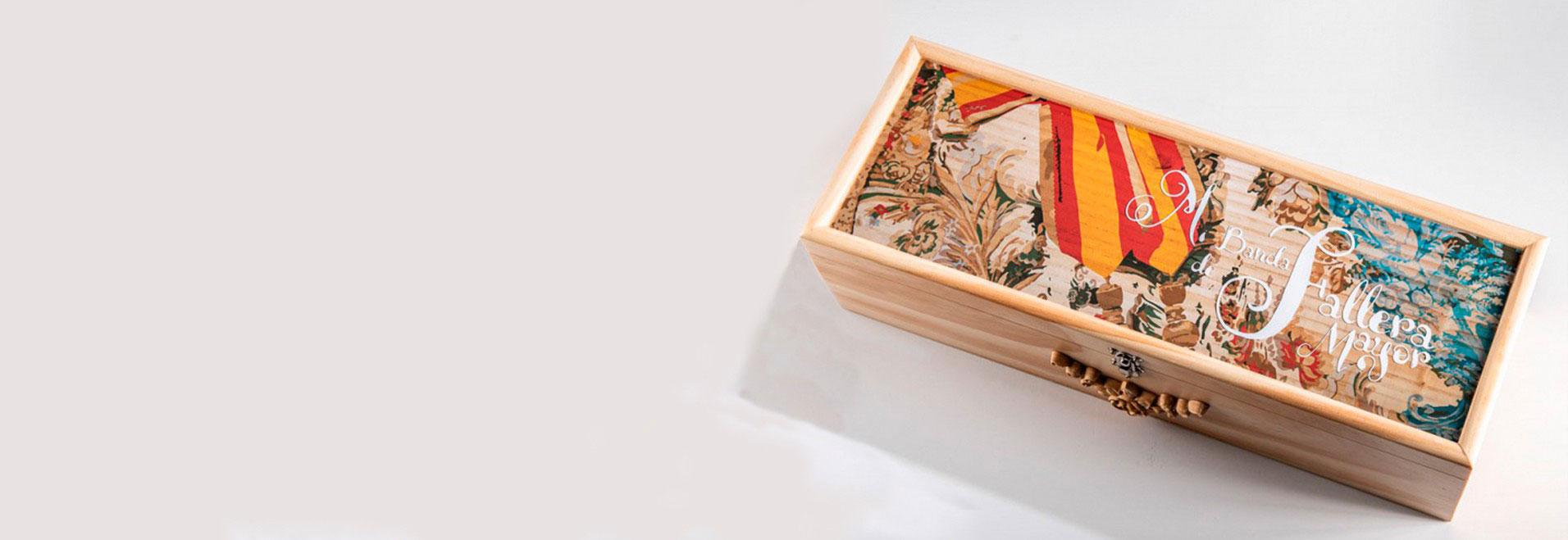 caja decorada de madera para banda de fallera